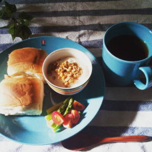 ティーマで朝食